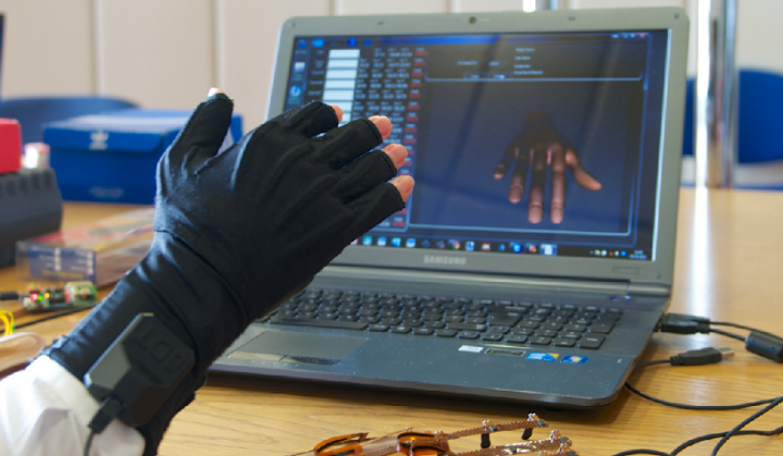 High five for this joint mobility glove-bot